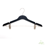 PLASTIC HANGERS WITH CLIPS