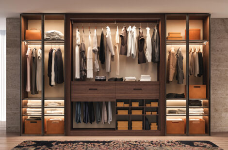 How to Thoroughly Declutter Your Closet